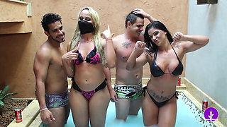 Mc Bandida sexy games & dance in the bath