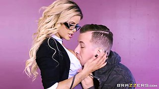 Jessa Rhodes catches student watching PornHD in class