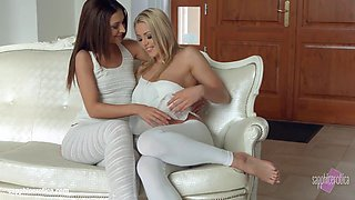 Christen Courtney licks and kisses Alexis Brill on Sapphic