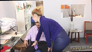 Secretaries are sucking huge cocks of their bosses in the ofifce