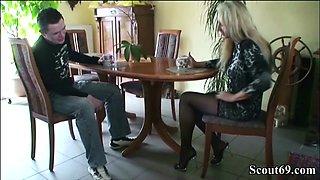 GERMAN MILF BI Jenny Seduce to Young Neigbor Guy to Fuck