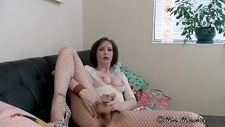 Bring a Friend, Son - Mrs Mischief fauxcest taboo mom pov
