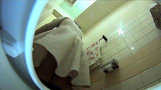 Japanese babes filmed pee