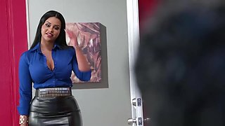 Dominican beauty Mary Jean recruits a white boy with her pussy