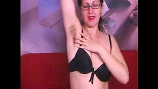 Hairy Arab milf makes her pussy wet