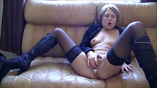 My kinky German girlfriend inserts 33 oz Cola can in her loose pussy
