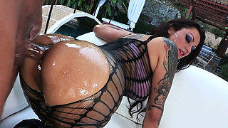 Dissolute mommy with oiled body Nikita Denise loves anal