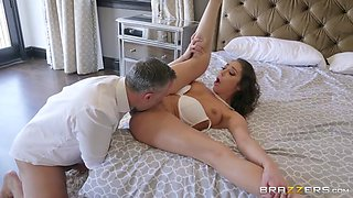 Strapping stud fucks his friend's horny wife