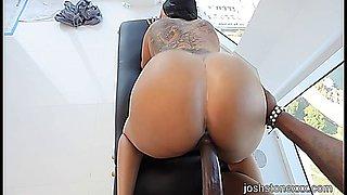 Ass, Hips, & Lipps