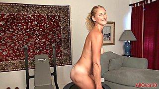 Slender mature l shows her stuff after workout