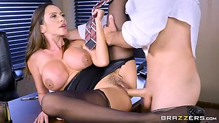 Horny boss has his way with buxom secretary after work