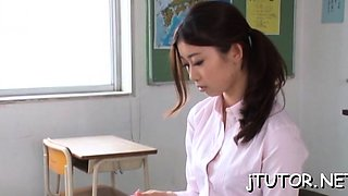 Teacher gives steamy orall-service and gets facial