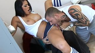 Horny Coach Fucks One Of His Best And Hottest Athletes Savannah Stern