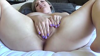 BBW showing her meaty pussy
