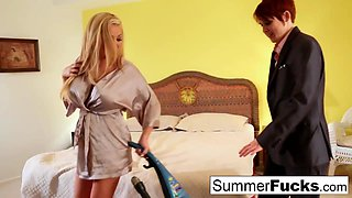 Blonde housewife Summer bangs sexy salesman Lily