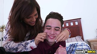 Lustful curvaceous MILF Syren De Mer makes red faced young buddy groan of delight