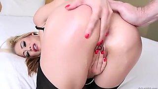 Exotic Toys, Cumshot sex clip