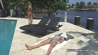 bikini besties in dildo threesome