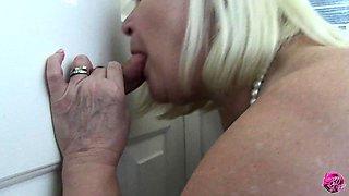 LACEYSTARR - Granny at the Gloryhole