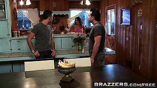 Brazzers - Mommy Got Boobs -  Have A Slice Of