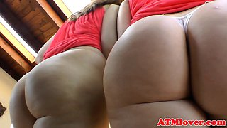 Assworship babes teasing with their bigasses
