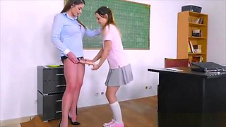Teacher With Strapon Toy Fucked Her Pretty Teen Student