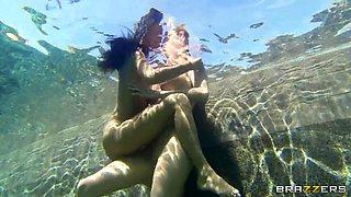 Girlfriend's Underwater Escapades