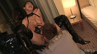 japanese dominatrix gets tamed with pussy licking