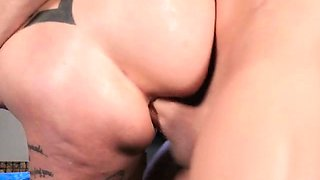 Seductress Anna Bell Peaks Gets Her Anus Punished