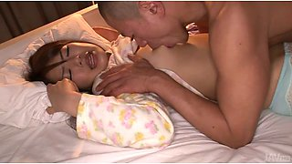 Horny dude wakes up his super sexy Japanese girlie with cunnilingus