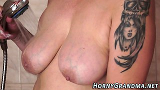 Mature granny sucks bbc