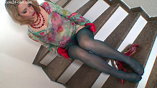 Nicole The Nylon Feet Queen1038 311