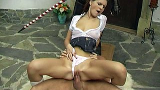 Rapacious brunette Claire goes nuts while riding and sucking a dick outdoors
