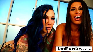 Erotically perfect fucking with Jenevieve Hexxx and Makayla