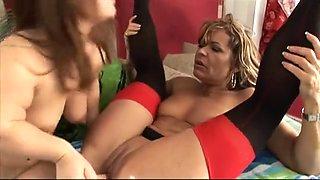 Lesbian MILF eats midget babe shaved pussy