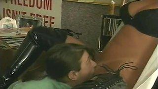 Jamie Leigh And Gidget 4sum With A Midget