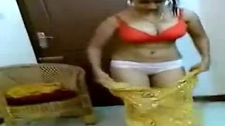 Kerala Aunty Show with her BF