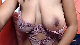 amateur bhiankha flashing boobs on live webcam