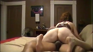 Mature housewife gets fuck