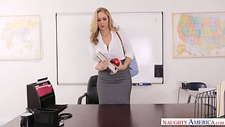Appetizing busty milf Julia Ann is fucked right on the table by Johhny Mountain