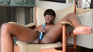 Ana Foxxx rubs her clit and fucks a vibrator