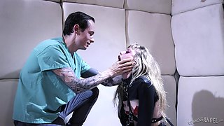 Tattooed guy fucks naughty Ivy Wolfe while he pulls her hair
