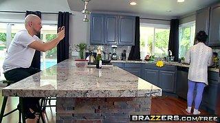 Brazzers - Mommy Got Boobs - Ashton Blake Mike Mancini - Pim