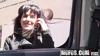 Mofos - Stranded Teens - Bella Beretta - Demanding Teen Fucks In Car