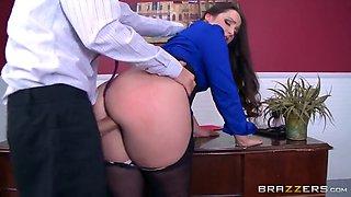 Brazzers - Lola Foxx - Big Butts Like It Big