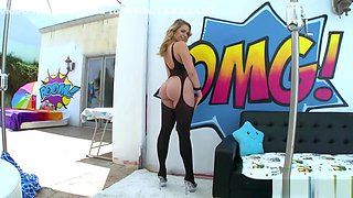 Bubbly Mia Malkova Has An Ass So Round And Juicy, You Could