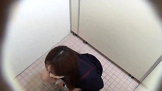 Pissing japanese teen