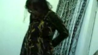 Kolkata Poornima Aunty Kapade Pehan Rahi Hai Chudai Ke Baad